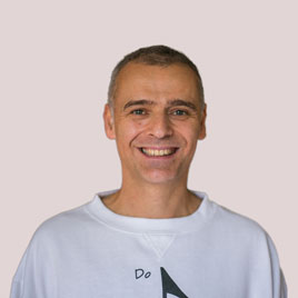 A photo of Paulo who is one of the Sutherland Shire music teachers at Do Re Mi Studios