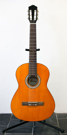 4/4 size classical guitar from the Monterey beginner guitar pack